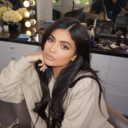 why-kylie-jenners-lipkit-shade-kristen-is-different-from-the-rest-1842855-1469043648.640x0c